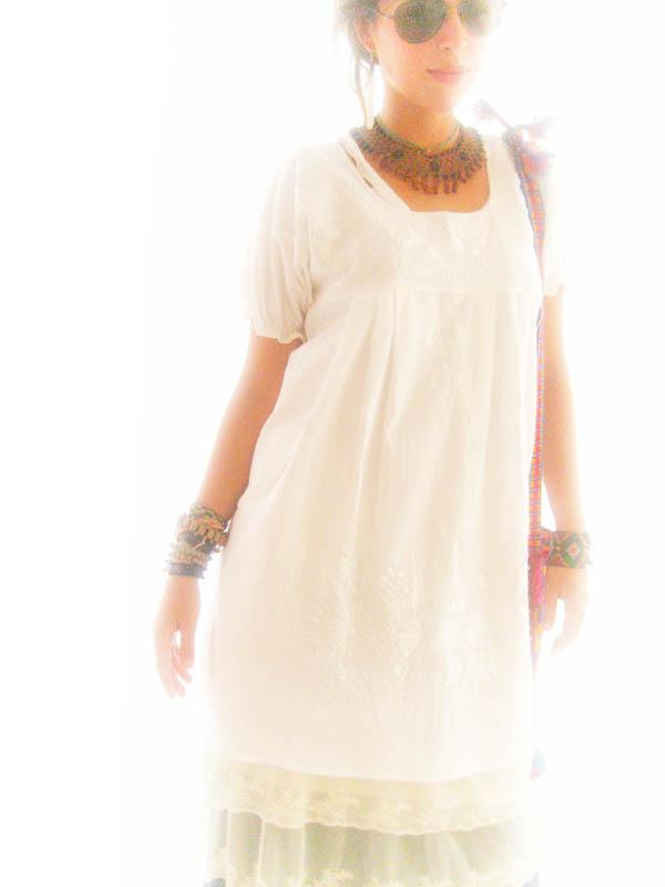 Off White hip vintage 60's Mexican white Embroidered summer dress