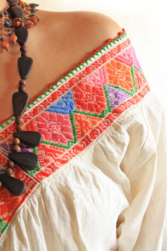 Pajaritos Mexican fine embroidered blouse