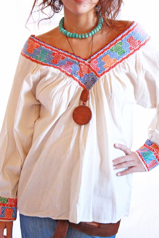 Maiz y Flores fine embroidery vintage Mexican Blouse