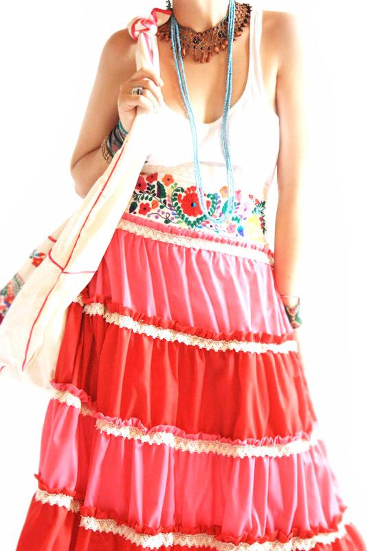 Strawberry fields Vintage Mexican ruffles & pleats skirt